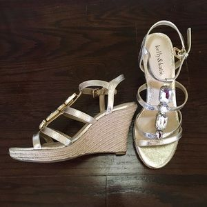 NEW Kelly&Katie gold and cloth platform sandals S7